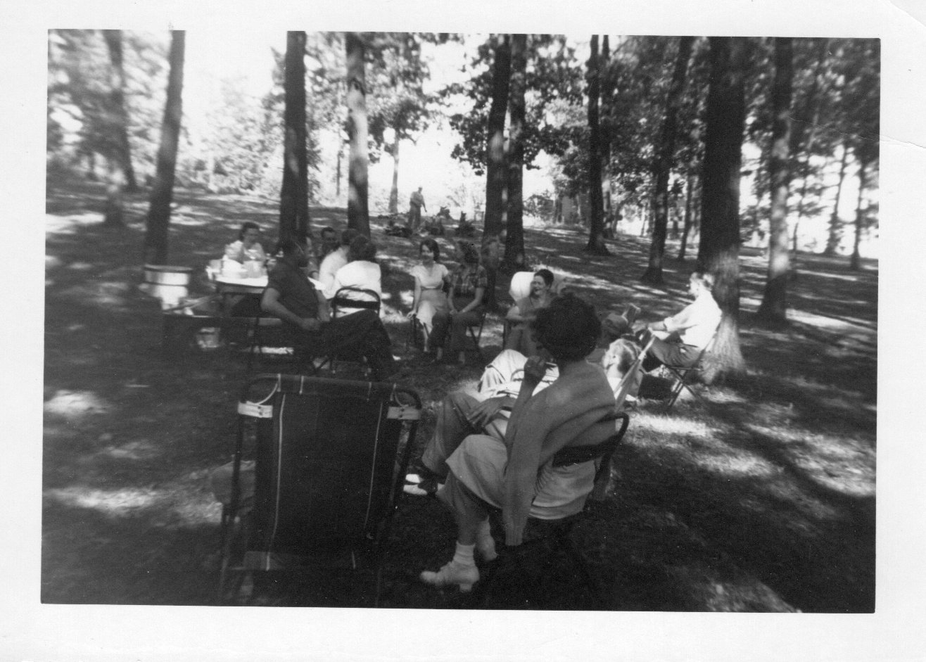 LVHSanPatientPicnicGroupAroundPicnicTable1949-1950
