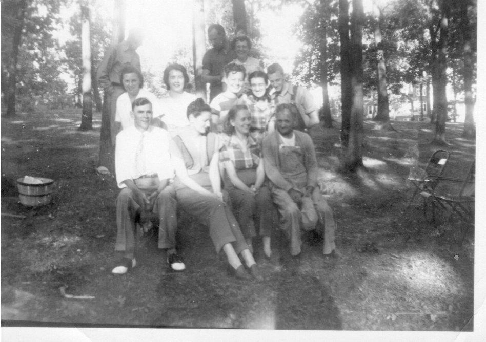 LVHSanPatientPicnicPosedPhoto21949-1950