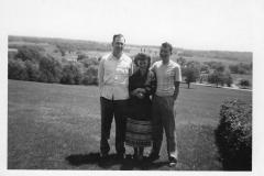 LVHSanHillLookingEastwThreePeople1949-1950