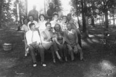 LVHSanPatientPicnicGroupPosedPhoto1949-1950